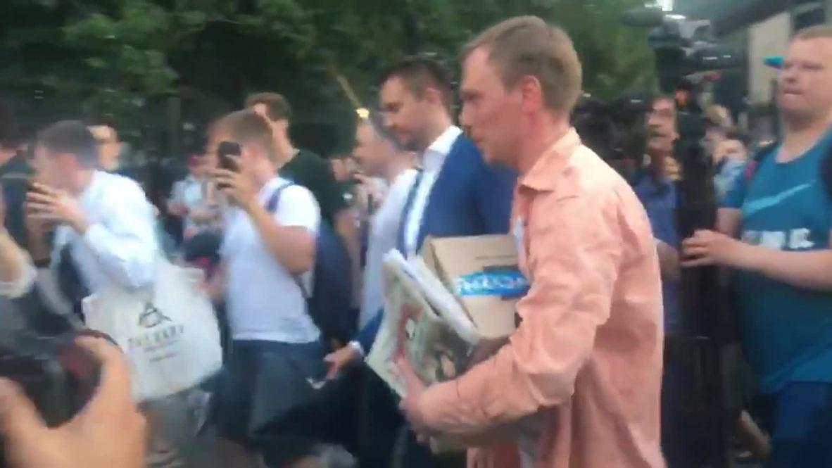 Rusia: Golunov se reúne con sus partidarios en Moscú