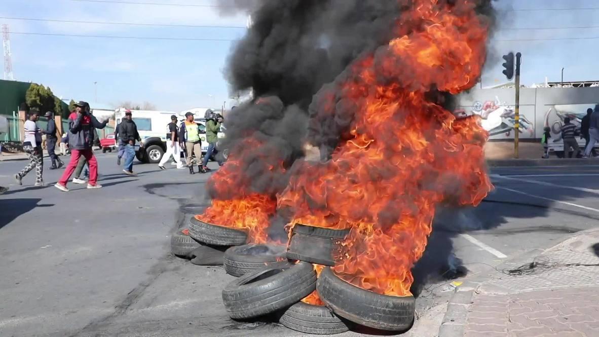 Sudáfrica: Residentes de Johannesburgo queman neumáticos en protesta por malas condiciones de vida