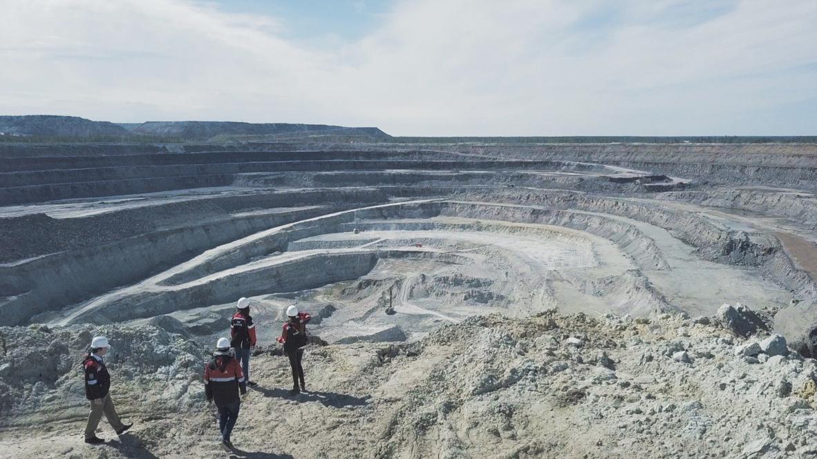 """Convertir piedras en diamantes: así es este """"brillante"""" proceso de la compañía minera Alrosa"""