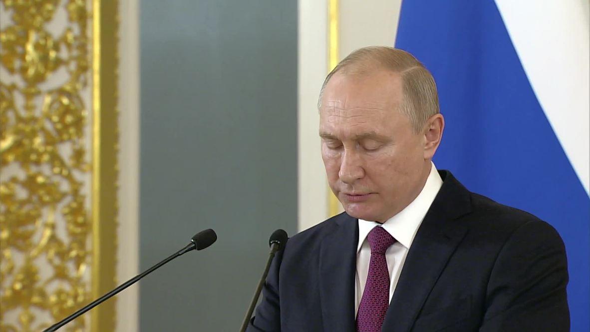 """Россия: """"Рассчитываю, что будете на страже интересов страны"""", – Путин выпускникам военных ВУЗов"""