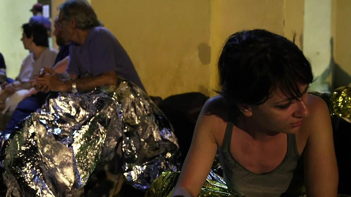 Italia: Activistas y un sacerdote duermen al raso en solidaridad con los migrantes atrapados en Lampedusa