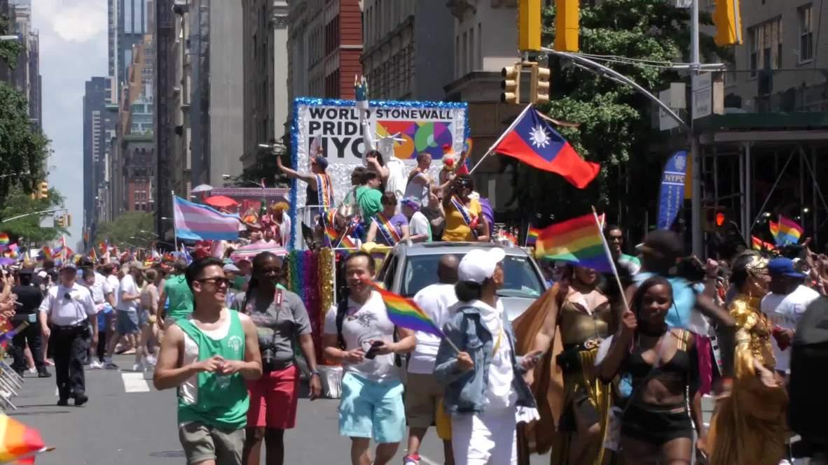 EE.UU.: Nueva York muestra su orgullo LGTB+ con dos desfiles