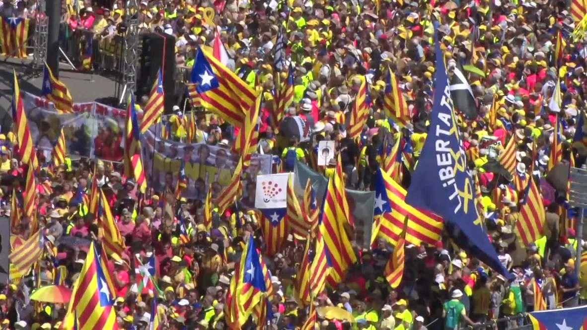 France: 8,000 Catalan activists gather outside EU Parliament for Puigdemont