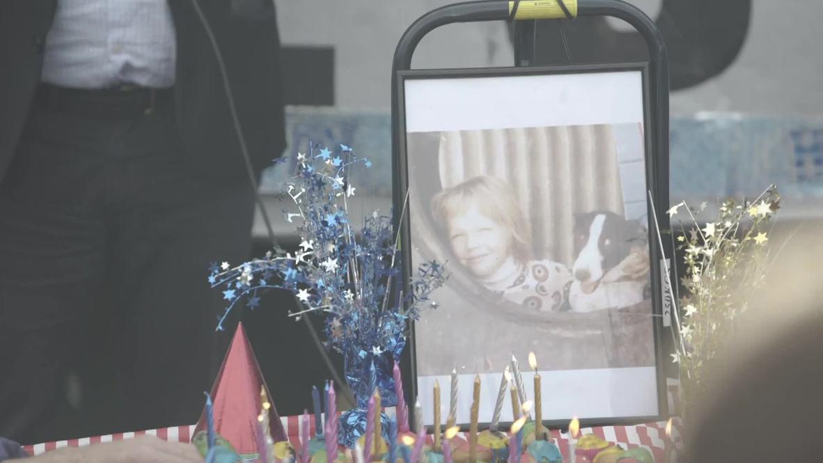 Australia: El padre de Assange se une a la celebración del 48º cumpleaños de su hijo en Melbourne