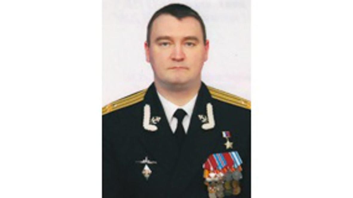 """Россия: """"Действовали геройски"""". Минобороны опубликовало фотографии 14 погибших моряков-подводников"""