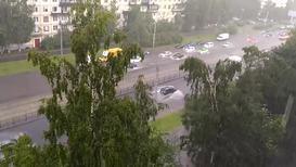 Россия: Ливень на севере Санкт-Петербурга и Ленобласти превратил улицы в реки