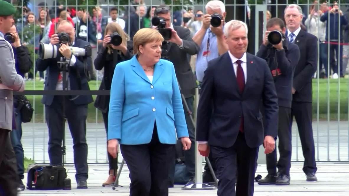 """Alemania: Merkel asegura """"estar bien"""" tras el tercer episodio de temblores en un mes"""