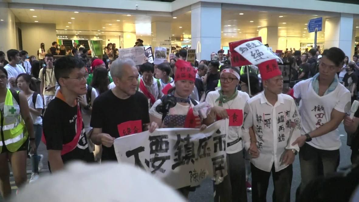 Hong Kong: Manifestantes en huelga de hambre llegan a la Casa de Gobierno demandando cita