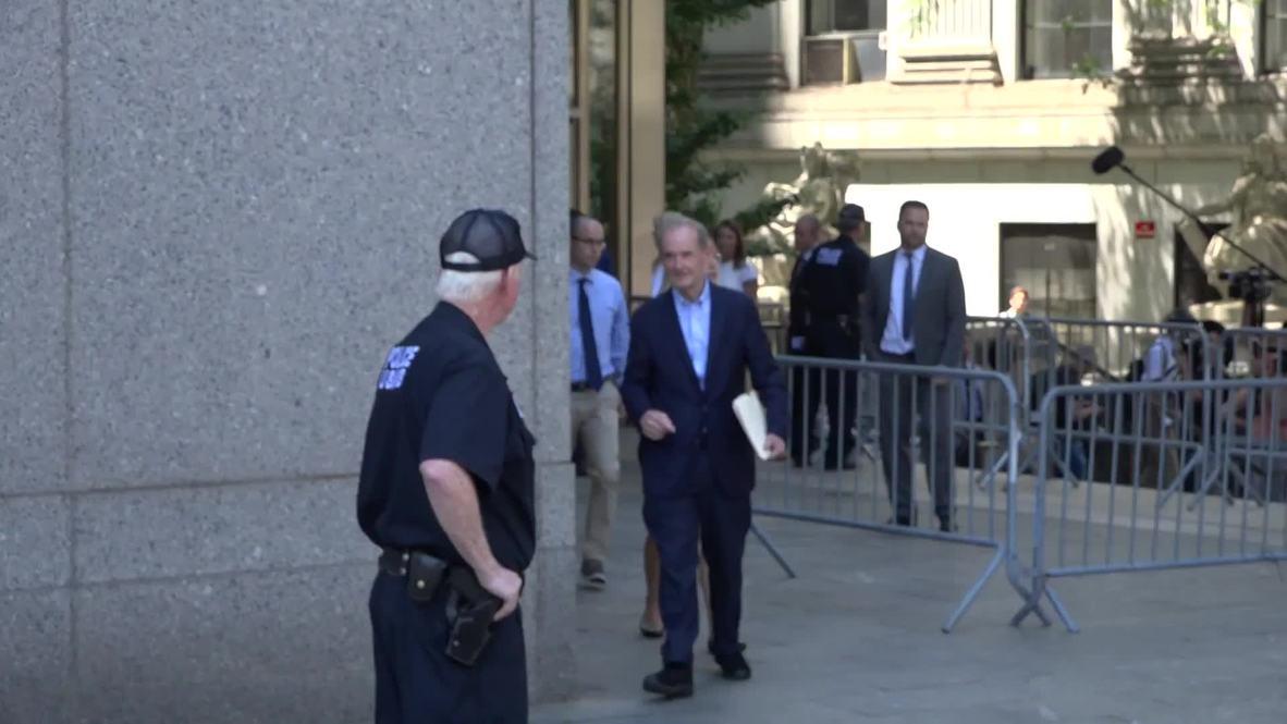 EE.UU.: Acusadoras de Jeffrey Epstein exigen que permanezca en la cárcel hasta el juicio