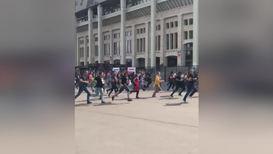 Россия: В погоне за мечтой. Русские фанаты легендарной Metallica размялись перед концертом