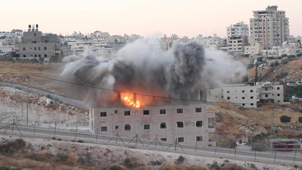 Jerusalén Este: Las fuerzas israelíes derriban un edificio palestino en el barrio de Sur Baher