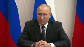 Россия: Путин присвоил звание Героев России посадившим в поле  А321 пилотам