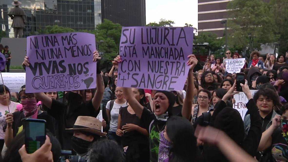 México: Mujeres marchan contra la violencia de género tras presunta violación de policías a adolescente