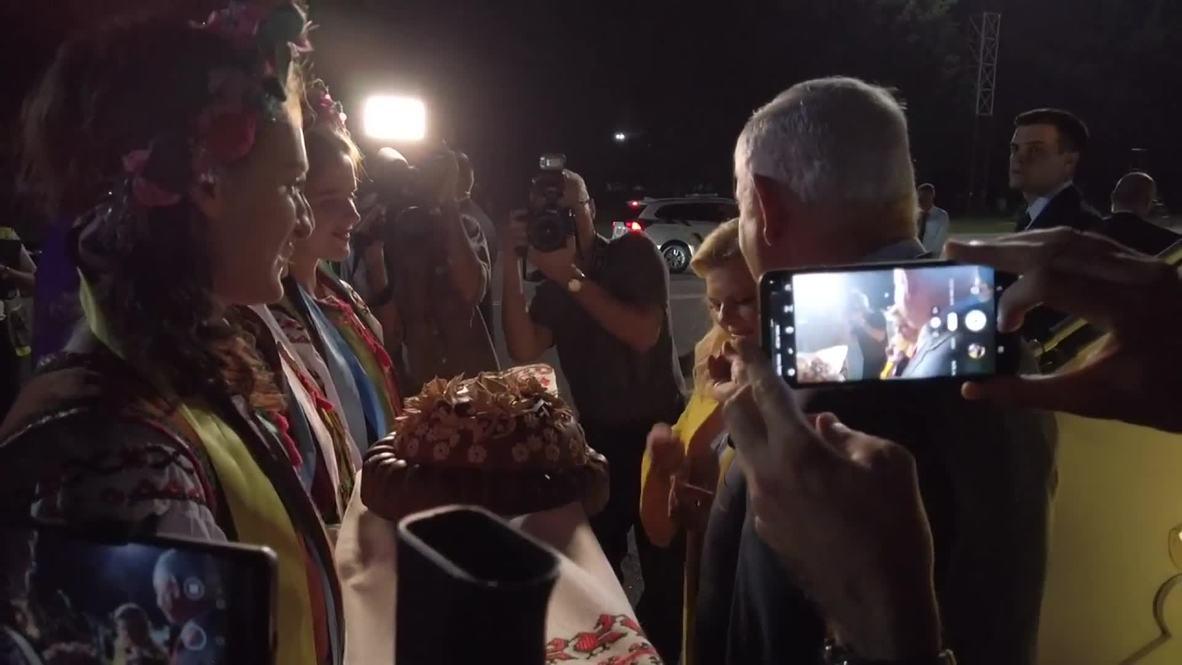 Украина: Испекли мы каравай! Жена Нетаньяху отказалась от приветственного угощения