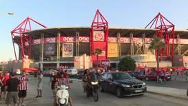 Греция: На продюсера Ruptly напали футбольные фанаты в Пирее