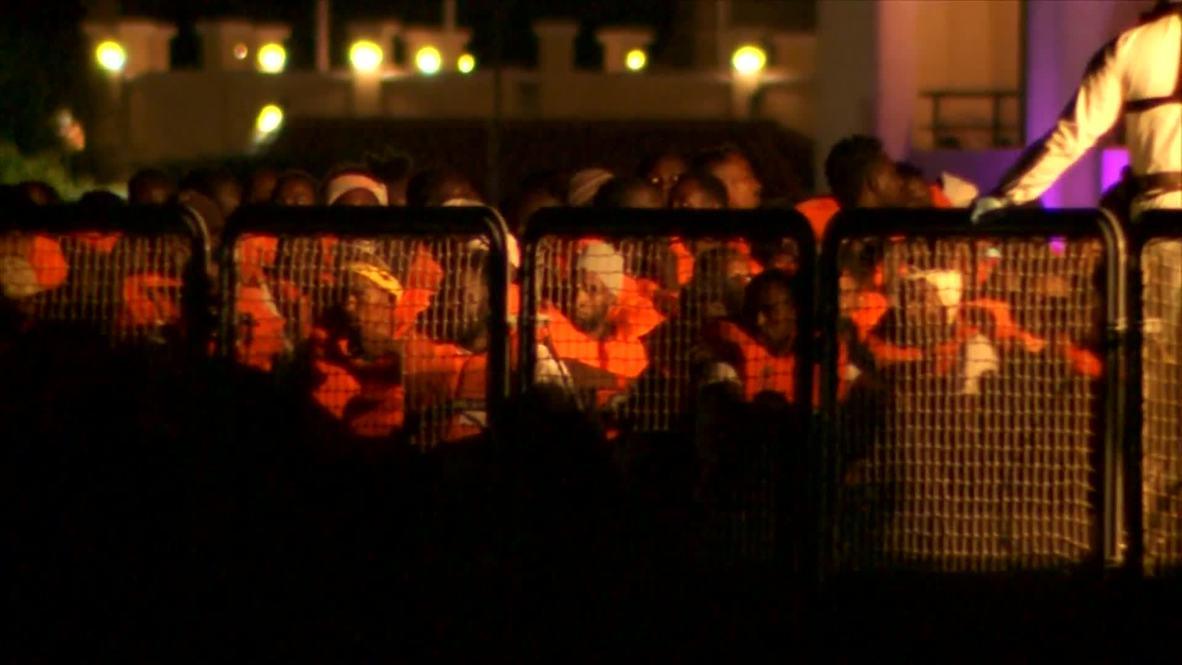 Malta: 356 migrantes del barco de rescate 'Ocean Viking'  desembarcan en La Valeta