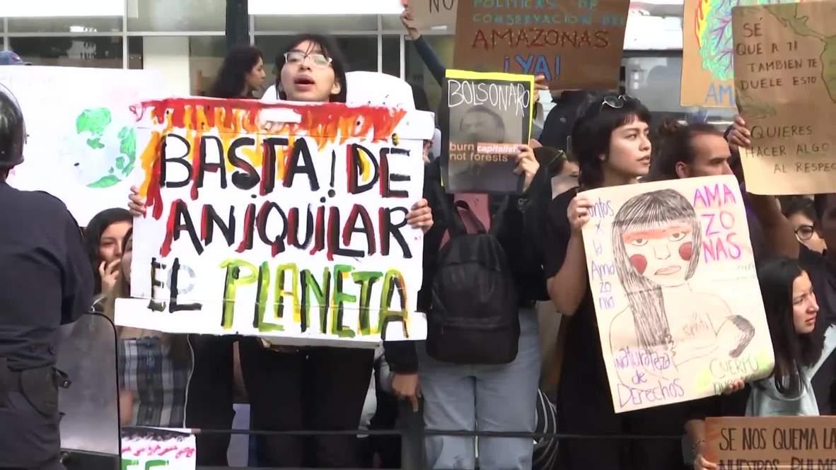 Perú: Protesta frente a la embajada de Brasil contra los incendios en el Amazonas