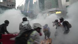 Hong Kong: Running riots continue as protests enter 12th week