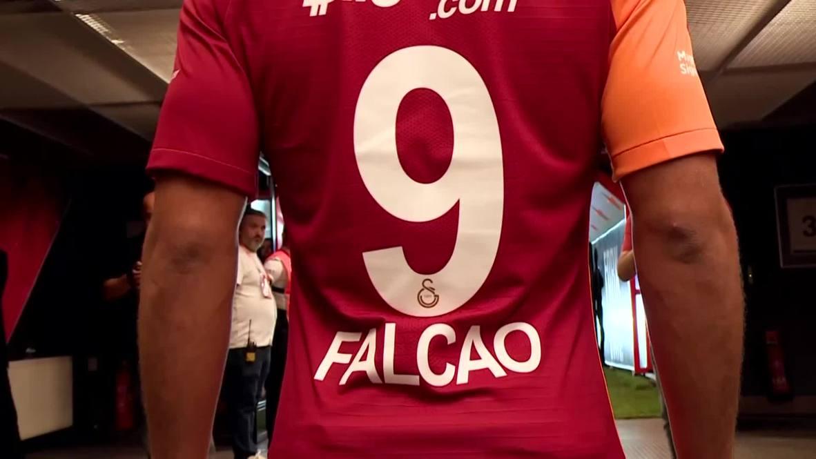 Turkey: Colombian legend Radamel Falcao given hero's welcome at Galatasaray