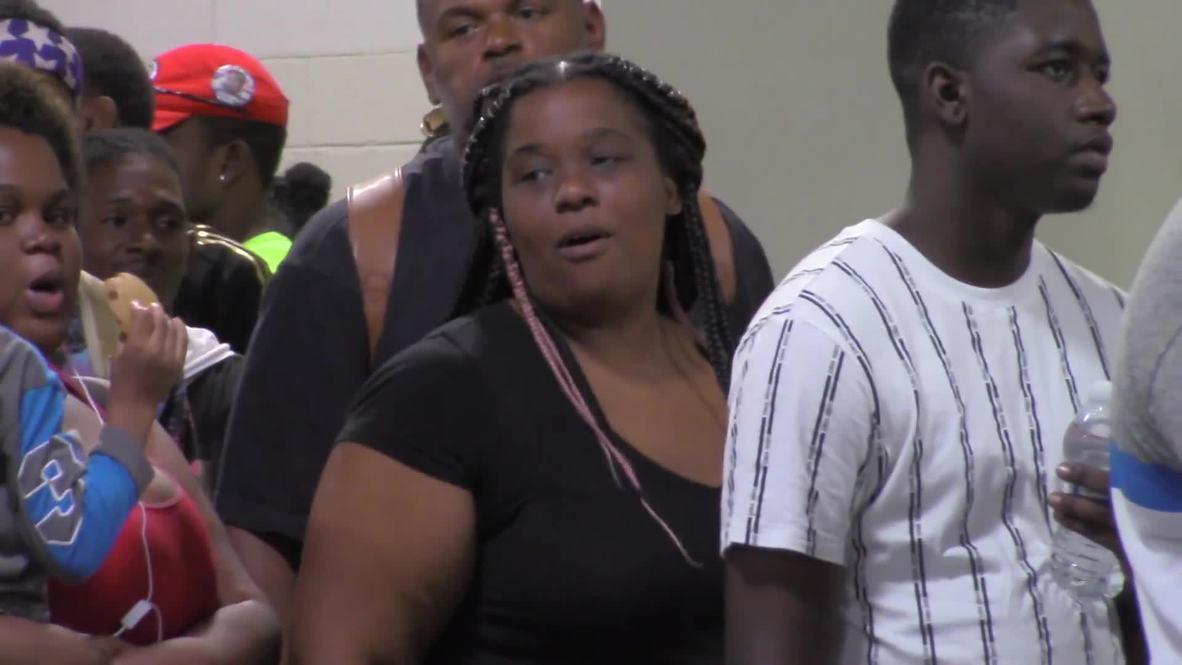Bahamas: Hurricane evacuees reach Florida port on cruise ship