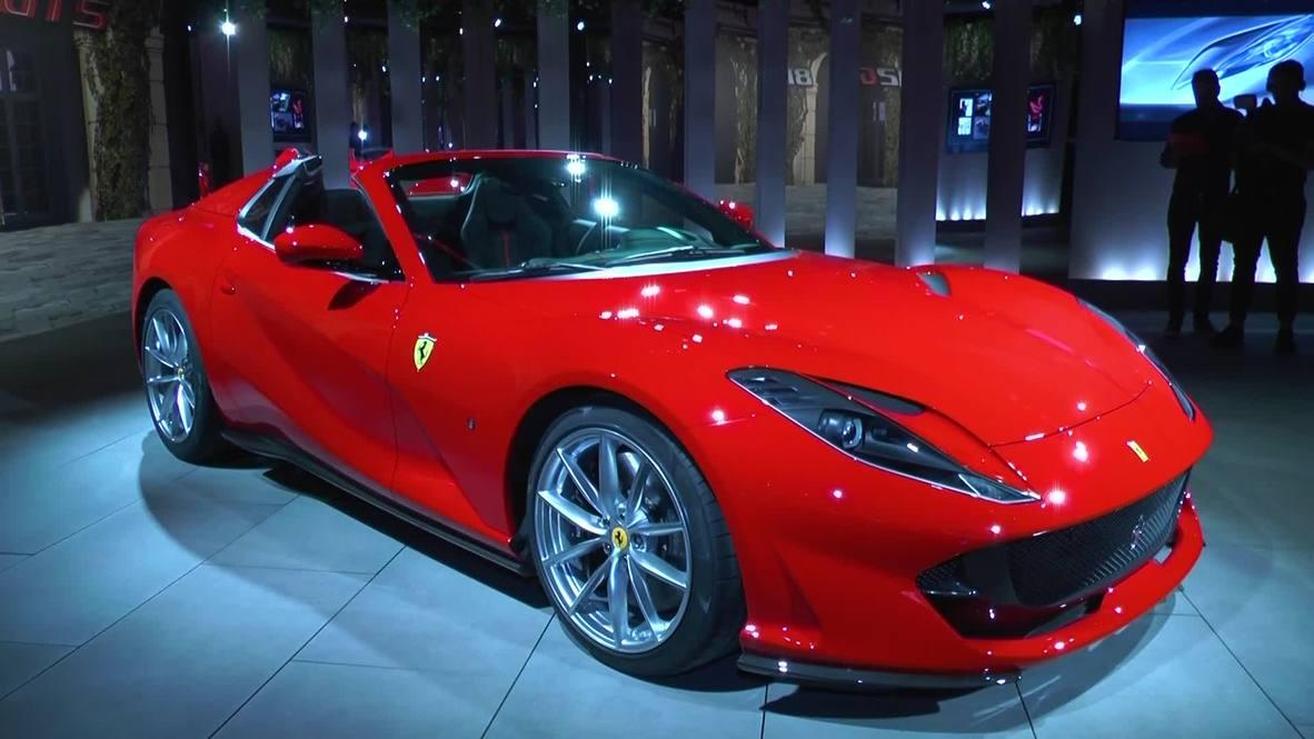Italia: Dos nuevos supercoches son revelados en la exposición 'Universo Ferrari'