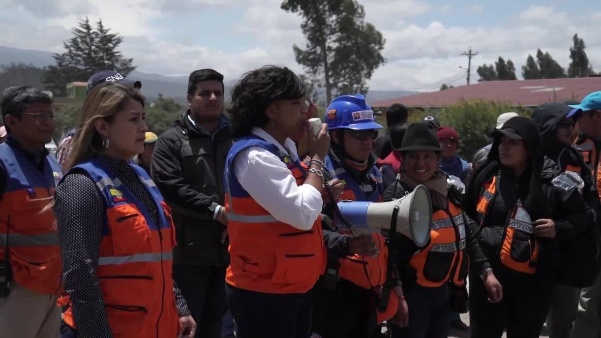Ecuador: Thousands join simulation of evacuation of Cotopaxi volcano eruption