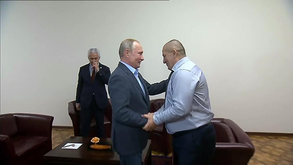 """Россия: """"Красивая, эффектная победа!"""" - Путин поздравил Нурмагомедова"""
