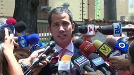 Venezuela: 'Thousands ask me for photos' - Guaido on photographs with paramilitaries