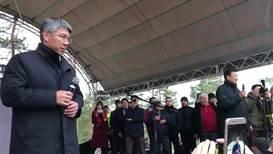 Россия: В Улан-Удэ снова прошла акция за честные выборы. Глава Бурятии выступил перед митингующими