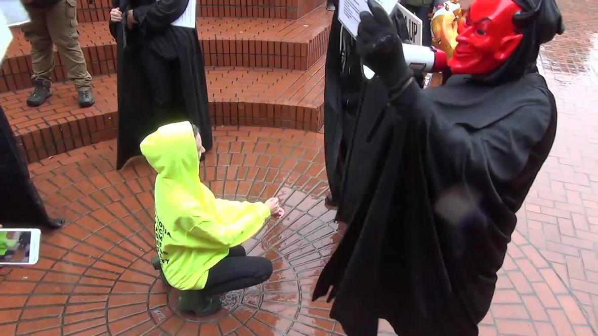 USA: Scuffles erupt between Patriot Prayer and Antifa