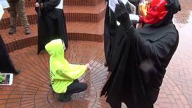 EE. UU.: Enfrentamientos entre manifestantes de extrema derecha y activistas antifascistas