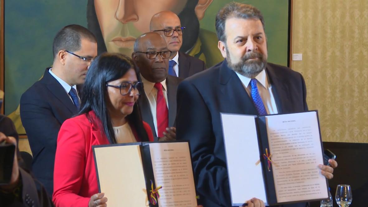 Venezuela: Gobierno firma un acuerdo con el sector moderado de la oposición