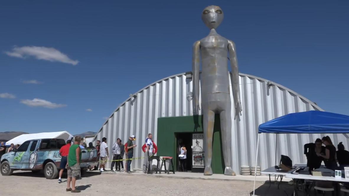 EE.UU.: Aficionados a los alienígenas se reúnen para festival relacionado a evento 'Asaltar el Area 51'