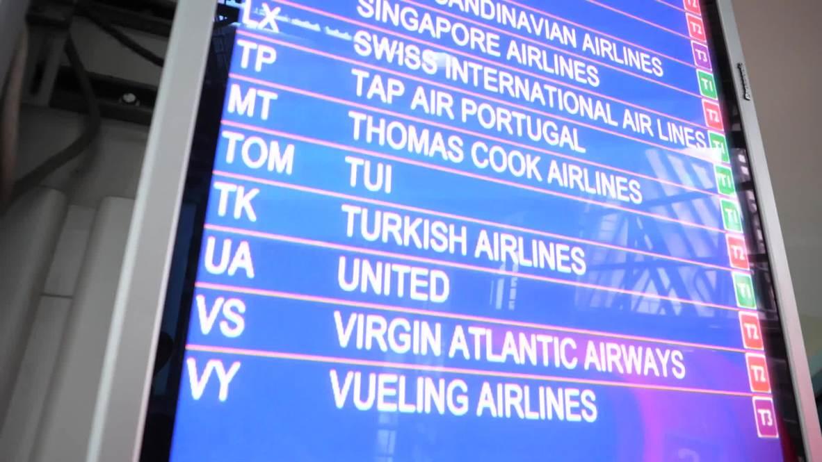 Reino Unido: El primer vuelo de los clientes de Thomas Cook repatriados aterriza en Manchester