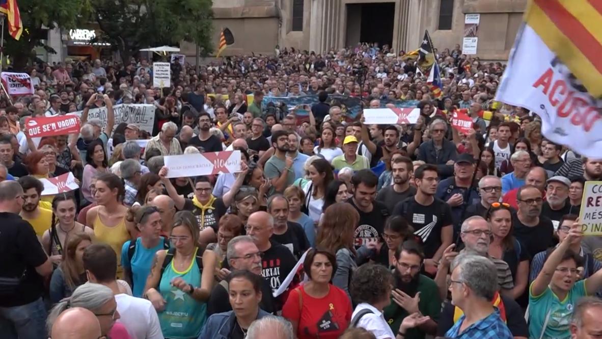 España: Cientos de personas protestan por la detención de miembros de CDR en Sabadell