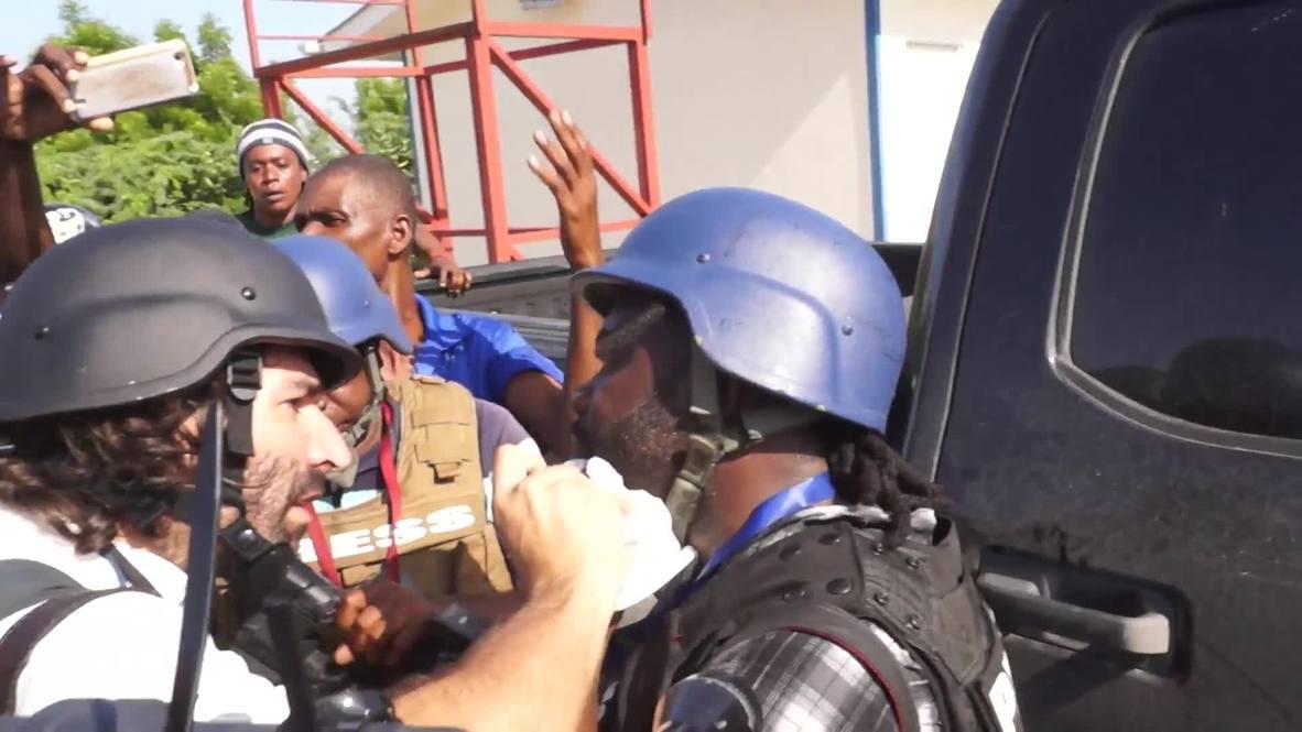 Haití: Senador saca una pistola y hiere a un periodista de un disparo cerca del Parlamento