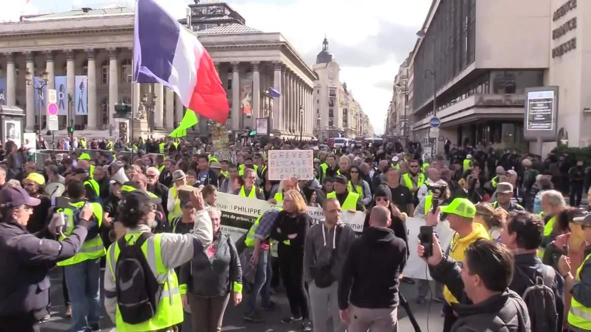 """Francia: Miles de personas marchan en París en la 46 semana de protestas de los """"chalecos amarillos"""""""