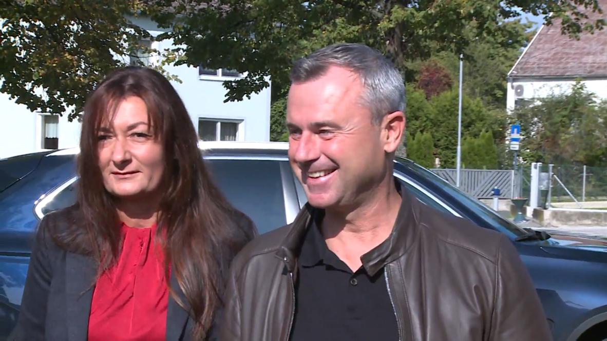 Austria: New FPO leader Hofer casts vote as snap election takes place