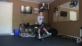 9-летний мальчик из Техаса демонстрирует виртуозное владение шайбой