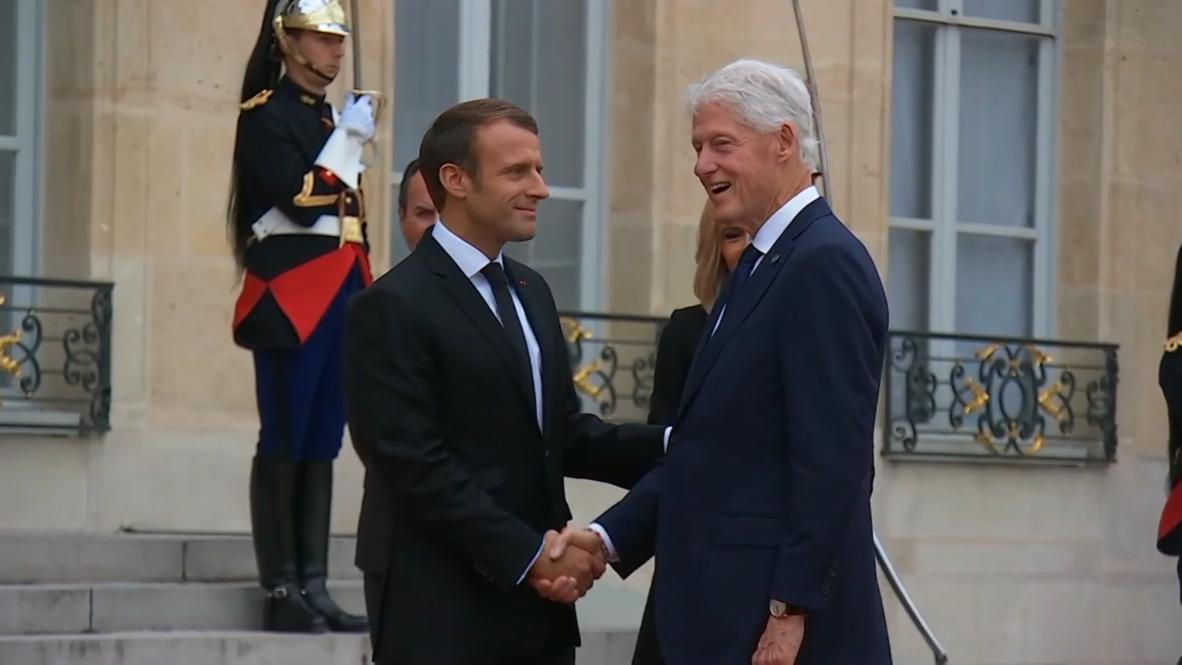 Франция: Макрон принял представителей иностранных государств в Елисейском дворце