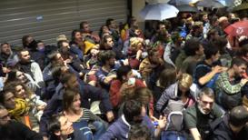 Francia: Activistas de Extinction Rebellion salen del centro comercial que habían ocupado