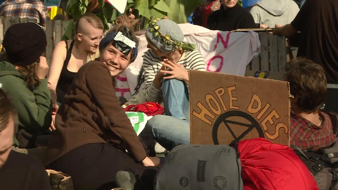 Alemania: Manifestantes de `Extinction Rebellion´ bloquean el centro de Berlín