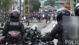 Ecuador: Tear gas fired as anti-austerity protest paralyses Quito