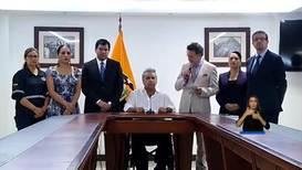 """Ecuador: Gobierno limita la circulación cerca de """"edificaciones e instalaciones estratégicas"""""""