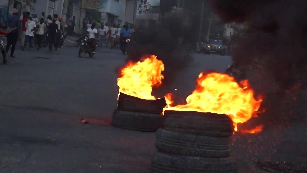 Haiti: Anti-government protests turn musical