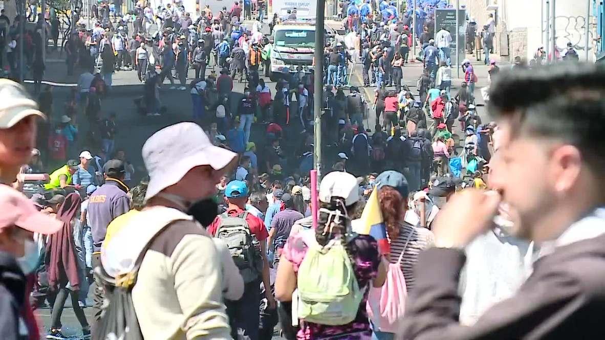 Ecuador: Manifestantes limpian las calles de Quito luego de llegar a acuerdo con el Gobierno
