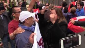 Perú: Manifestantes a favor y en contra de la disolución del Congreso se enfrentan en Lima
