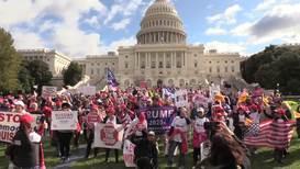 EE.UU.: Partidarios de Trump se reúnen fuera del Congreso para exigir el fin del 'impeachment'