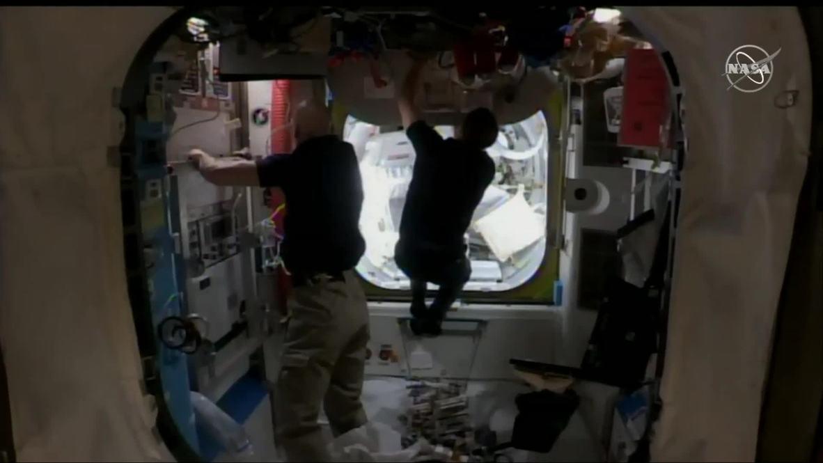 EEI: Dos astronautas de la NASA realizan la primera caminata espacial exclusivamente femenina