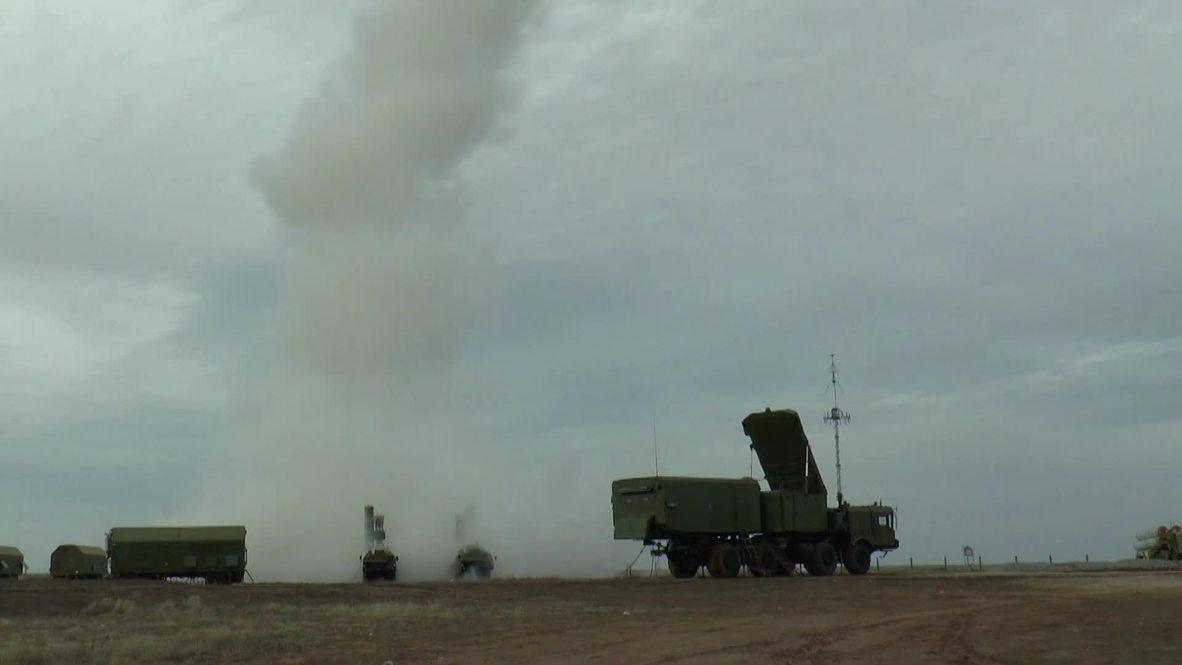 """Россия: """"Триумф"""" военной техники. ЗРК С-400 успешно поразили цели на испытаниях"""